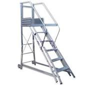 Escada de Aluminio Trepadeira 5 Degraus Corrimao 2 Lados TR 152/TR 151